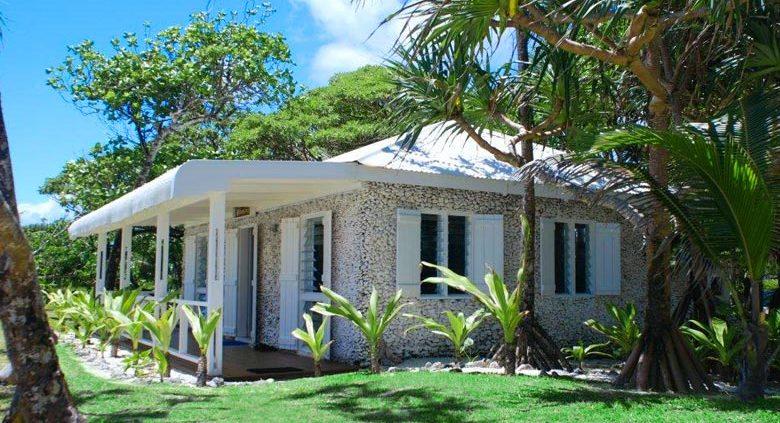 Tamanu on the Beach, Vanuatu - Premium Beachfront Coral Cottage
