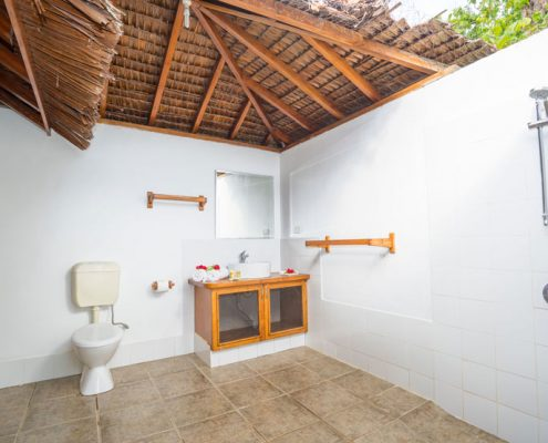 Oyster Island Resort, Vanuatu - Family Room Bathroom